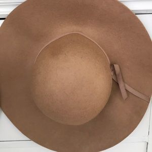 Old Navy floppy hat